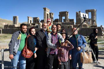 توسعه گردشگری فارس با هماهنگی و برنامه ریزی محقق می شود