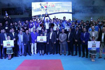 جام قهرمانی در دستان تکواندوکاران شهرداری ورامین