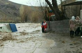 سیل آذرشهر ۵ خودرو را برد/ ۴ کشته درسیل عجب شیر/مدارس تعطیل نیست