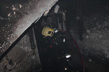 آتش سوزی انبار لبنیات در خیابان فرجام/ نجات ۳ نفر از میان دود و حرارت شدید