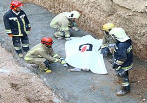 سقوط ستون بتونی سنگین بر روی کارگر/ جوان ۲۵ ساله جان خود را از دست داد