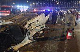 تصادف زنجیره ای زانتیا با ۴ خودروی سواری در خیابان دماوند/ ۲ سرنشین در اتاقک متلاشی شده محبوس شدند