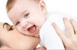 تغذیه با «شیر مادر» موجب تقویت اعضای اصلی بدن و تنومندی شیرخوار میشود