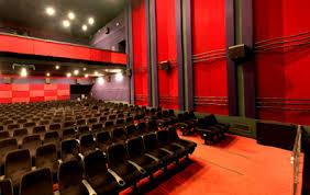 گرانی بلیت و روی گردانی مردم از پرده نقره ای سینماها