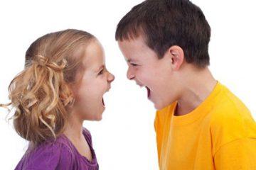 والدین از قضاوت میان فرزندان دوری کنند!