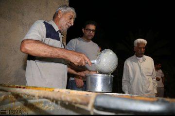 پخت حلیم نذری به مناسبت عید سعید فطر در بندرعباس