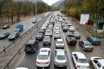 ترافیک سنگین در جاده هراز تردد را کند کرد