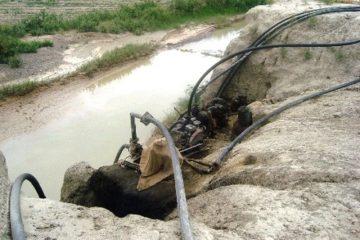 جمع آوری پمپ های آب در کازرون حاشیه ساز شد
